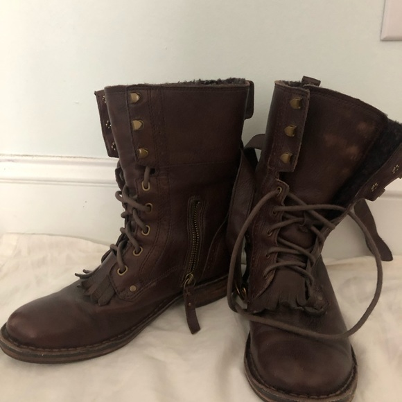 9b329a06779 women's ugg combat boot